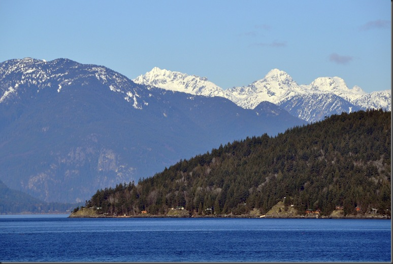 Nikon - Mtountains at  Horeshoe Bay - large