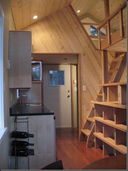 Kitchen & loft access