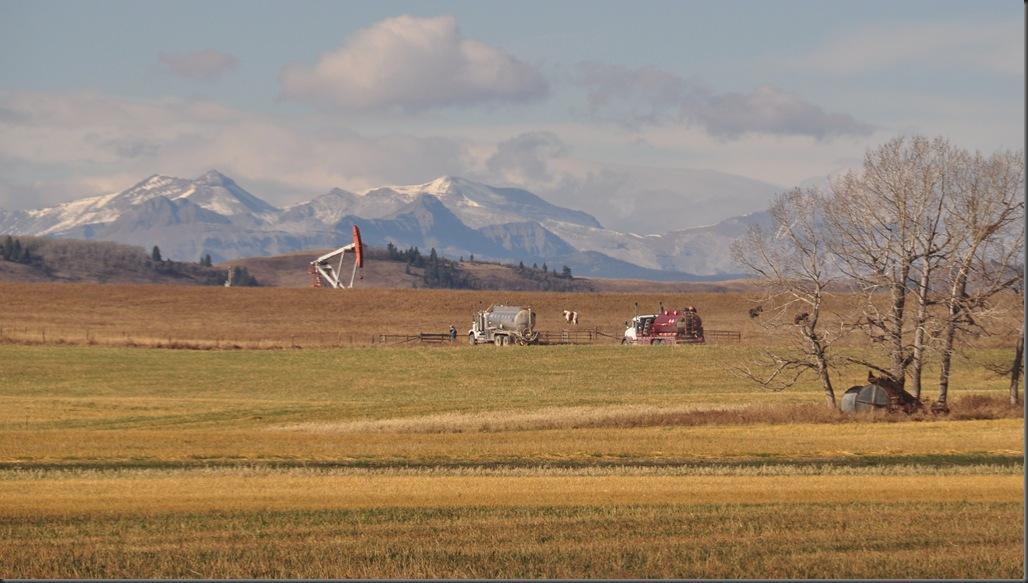 Alberta oil well near Longview - Bruce Witzel photo