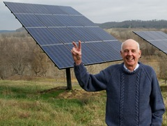 A_New_Harvest,_with_Wendell_Berry,_Henry_County,_KY,_2011_-_photograph_by_Guy_Mendes