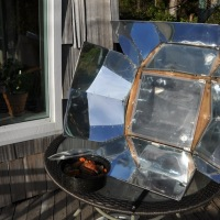 SOLAR COOKERS ON EARTH DAY.