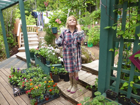Emma helping with the gardening July 2016 - francis guenette photo[16]