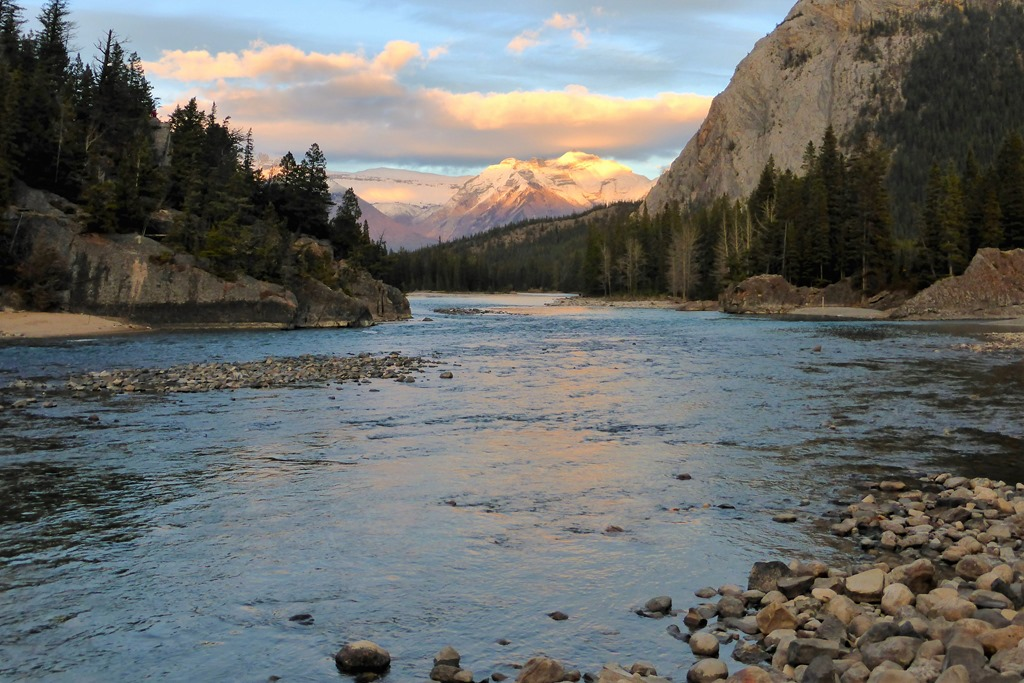 Bow River, Banff - Oct 27, 2014 - Francis Guenette photo (2)