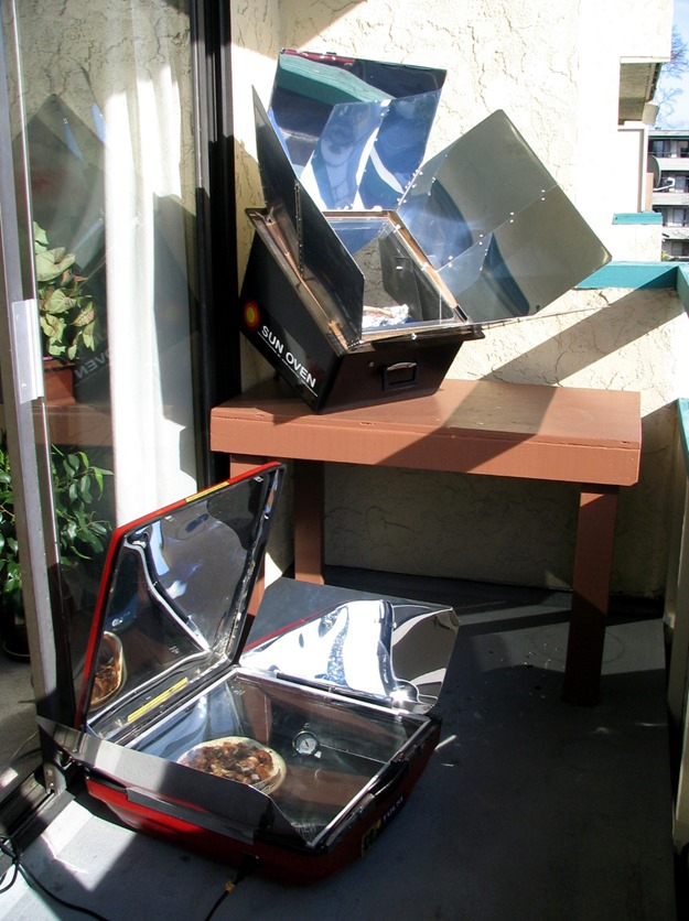 Solar cooking at Fran's old apartment at Universtiy of Victoria - Bruce Witzel photo