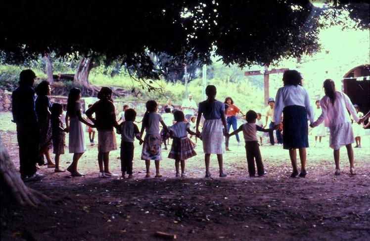 Zapotilan del Rio 1990 - bruce witzel photo-slide