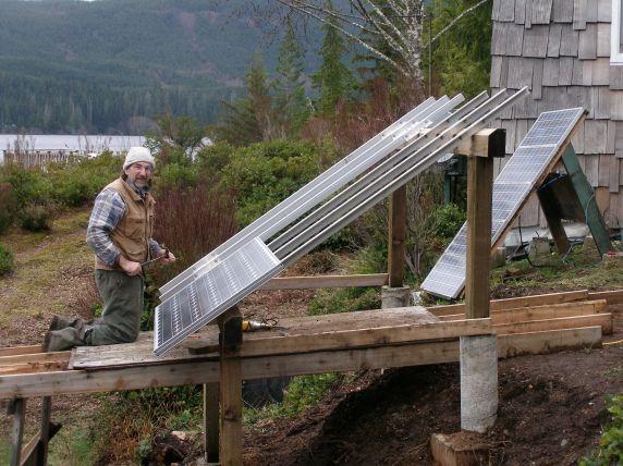 Bruce Witzel building rack - peter talbot photo