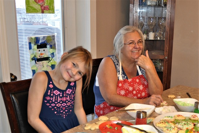 Emma & Fran decorating  Christmas cookies, Dec. 18, 2016 - brice wtzel photo (2)
