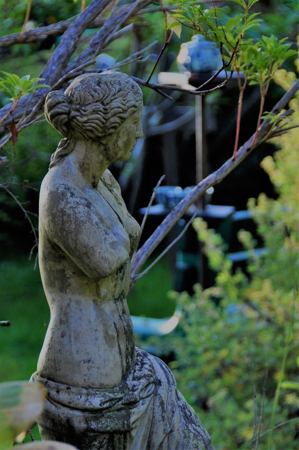 Venus de Millo (3) statue in Bruce and Fran's garden, Sept. 24, 2018