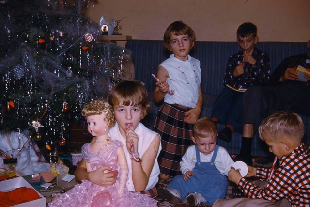 Rose, Heather, Bruce, Fred and David at Christmas 1958 - photo by aunt edith fisher