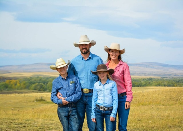 Rachel Hebert and her family - Photo by Canadian Angius Assoication